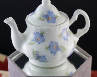 Vintage Blue Daisy Creamer Cream Pitcher Faux Tea Pot