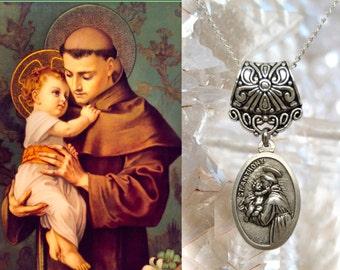 Saint Anthony, Charm Necklace Catholic Christian Religious Jewelry Medal Pendant, Santo António