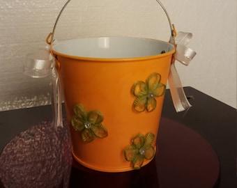 Decorative Tin Pail,  Shabby Chic , Flower Pail, Tin bucket