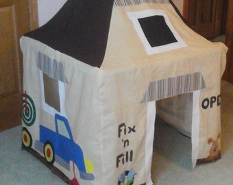 Fix 'n Fill Garage Appliqued Card Table Playhouse