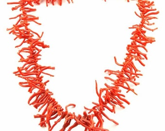 Necklace with mediterranean red coral branchs
