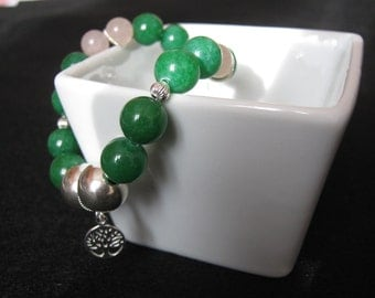 """Bracelet in emerald green jade and pink quartz with """"Tree of Life"""" charm"""