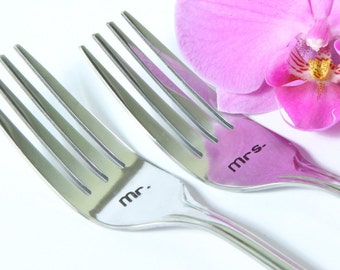 Mr. Mrs. Wedding Forks, Mr. and Mrs. Forks, Wedding Cake Forks with Dates on the Handles