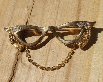 Vintage Gold Cat-Eye Glasses Brooch