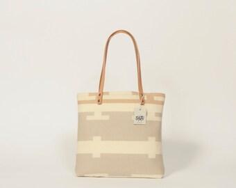 Large Carry-All Tote Bag Purse Handbag Shoulder Bag Leather Straps Portland Fabric