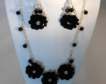 Special Black and Rinestone Floral beaded necklace and earring set!