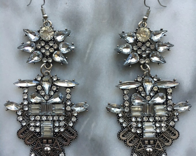 E a r r i n g s prideandsass chikasha crystal tribal boho statement chandelier earrings mozeypictures Image collections