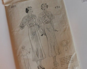 NEW UNCUT Vintage Butterick Pattern 6911