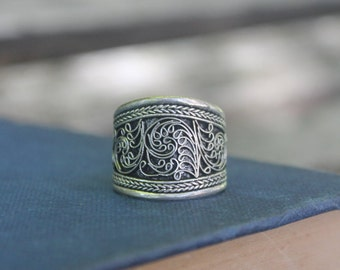 Tibetan ring Filigree ring Handcrafted ring Ethnic ring Boho ring Gypsy ring Buddhist ring Amulet ring Tribal ring Gift for her Gift for him