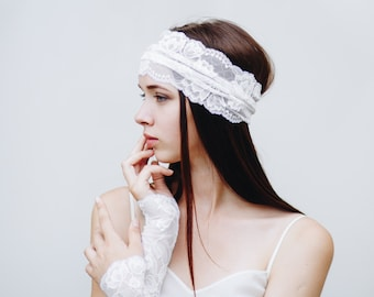 Bridal Gloves / White Lace Gloves / Wedding Gloves / Lace Cuff Bracelet / Lace Fingerless Gloves / Tattoo Cover Up / Lace Wrist Cuff