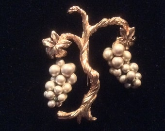 Unusual grapevine brooch, bunches of grapes on a golden vine, ideal for wine lovers