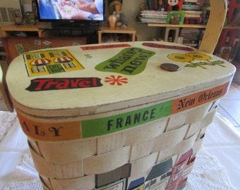 Vintage Caro-Nan Basket Handbag/Swinging 70's Style/Vintage Kitsch Handbags/Vintage Boho Bucket Bags