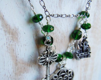 Collar the keys to the Castle - aged silver color and dark green Czech glass and Crystal - Bohemian chic - made in France