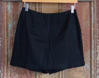 90's black skort size 4