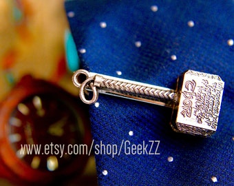 Superhero tie and suit accessories. GeekZZ 90