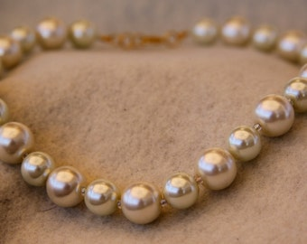 Cream Glass Bead Necklace #12002