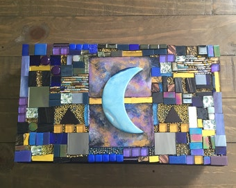 Mosaic Agate Crescent Moon Spirit Box