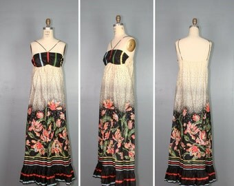 vintage maxi dress / 1970s dress / bohemian floral DEWBERRY cotton dress