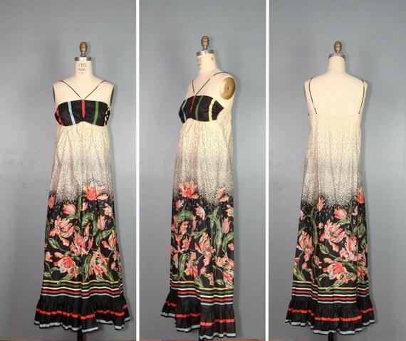 vintage maxi dress / 1970s dress / bohemian floral DEWBERRY cotton dress