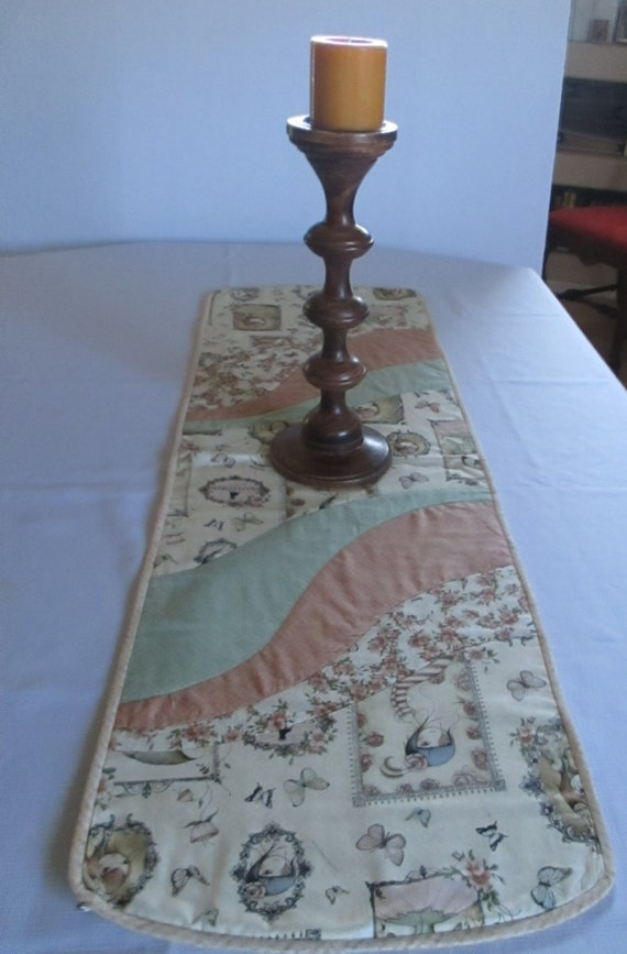 Table runner swirl design dining room peach green beige for Dining room quilter