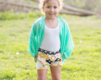 Girls Coachella Shorts, Girls Shorts, Shorts with pom poms, Festival shorts, Boho Kids Clothes,summer short, baby shorts, girl summer outfit
