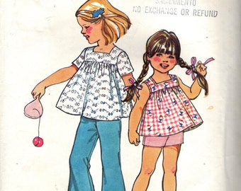 Simplicity 5649 Girl's Size 5 Smock Top, Bell Bottoms, Shorts  ©1973