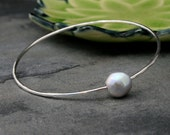 Sterling Silver Bangle with Gray Pearl, Sterling Silver Stacking Bangle, Pearl Bracelet, Single Baroque Oval Real Freshwater Grey Pearl