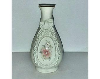 The Cameo Ribbon Vase - Royal Heritage Collection - Vintage Porcelain