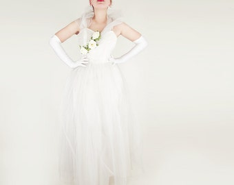50s Ivory Tulle and Taffeta Princess Dress with Roses and Frothy Collar M