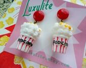 Movie-goer! Handmade 1940s bakelite fakelite style novelty popcorn earrings by Luxulite