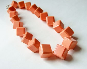 1980s Chunky Peach Cube Bead Necklace - Gorgeous Vintage Necklace in a Summery Pastel Colour