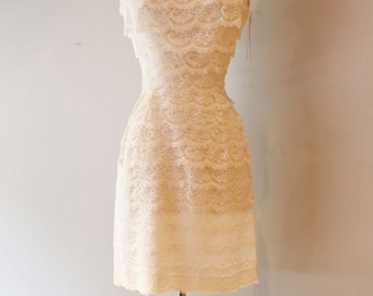 Vintage 1960s White Lace Mini Dress ~ Vintage 60s Mod Wedding Dress ~ 1960s Tiered Lace Cocktail Dress