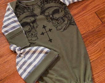 Skulls and Cross Graphic Infant Baby Layette Gown and Knot Hat
