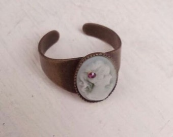Green lady cameo adjustable ring
