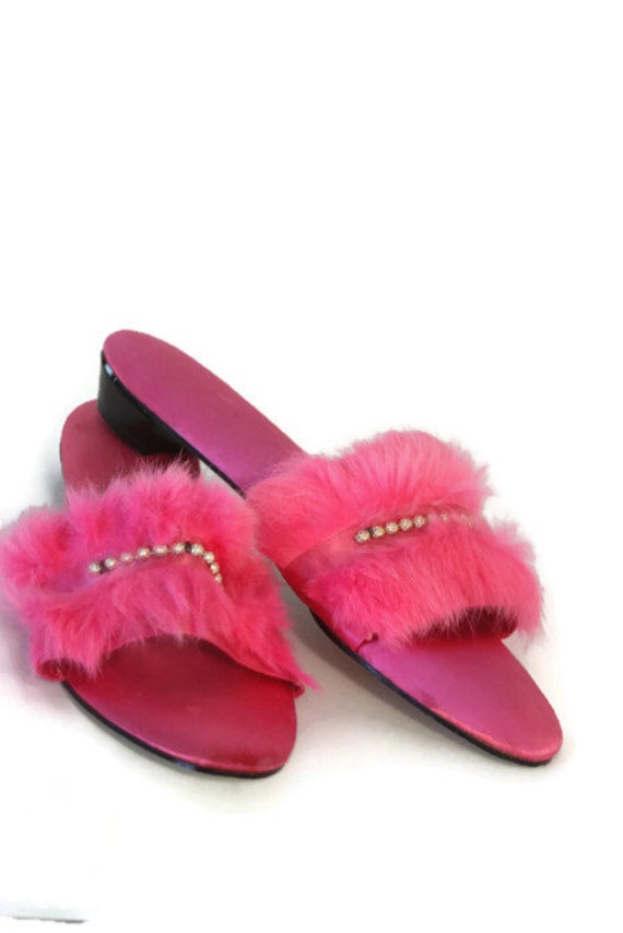 vintage womens bedroom slippers hot pink slippers house. Black Bedroom Furniture Sets. Home Design Ideas