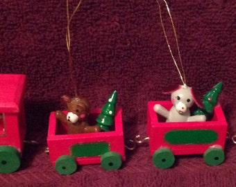 Small--Wooden Set Of 4--Christmas--Ornaments--Santa TRAIN--With Animals