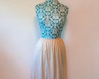 vintage nude half slip // 70's lace lingerie // 1970's Wonder Maid skirt slip
