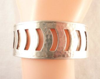 SALE ---- Vintage Danecraft Hammered Sterling Cutout Patterned Cuff Bracelet