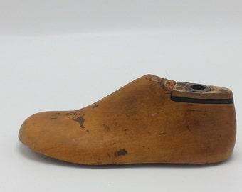 Vintage Wooden Shoe Form Childrens Size 5 1/2 C wooden shoe form mold.