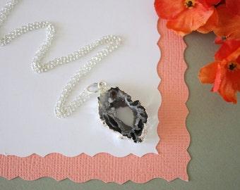 Silver Geode Necklace, Geode Slice, Druzy Necklace Silver, BoHo Necklace, Crystal Necklace, Silver Slice Druzy, Natural, Rock, GCH83
