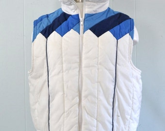Amazing Vintage Vest White Blue Jacket 70s 80s Puffy Winter Ski Geometric Diagonals Chevron LARGE