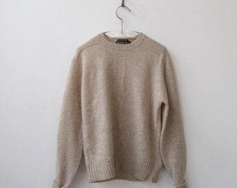 1970s vintage nude shetland wool boyfriend sweater M