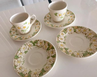 Vintage Metlox Popptrail Daisies -- Two Mugs and Four Saucers -- Mid Century
