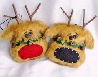 Primitive reindeer ornament set of 2 gift tag rudolph choose nose color red or black