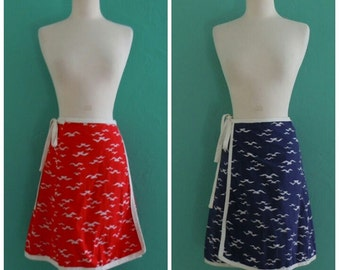 SALE 20% OFF coupon code FALLFORWARD16 ~ vintage 70's reversible wrap seagull print skirt // navy and red wrap skirt