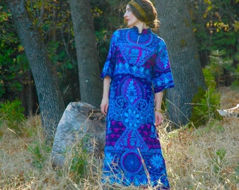 Vintage 1960s Bark Cloth Maxi Dress... Tropical Psychedelia... 60s Hawaiian Maxidress
