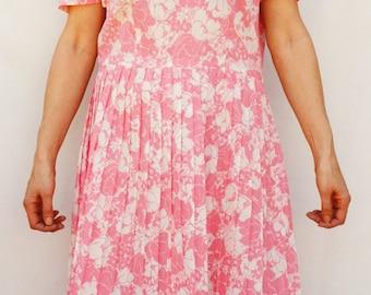 Vintage 60s Pink Floral Print Pleated Dress Retro Mid Century