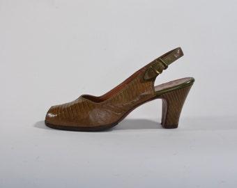 Vintage 1950s Green Reptile Shoes - Peep Toe Java Lizard - Fashions Size 6 7 N