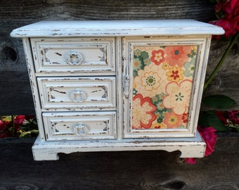 Vintage white chippy musical jewelry box storage floral