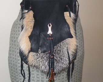 Mountain man fox fur and leather possibles bag 2 compartments